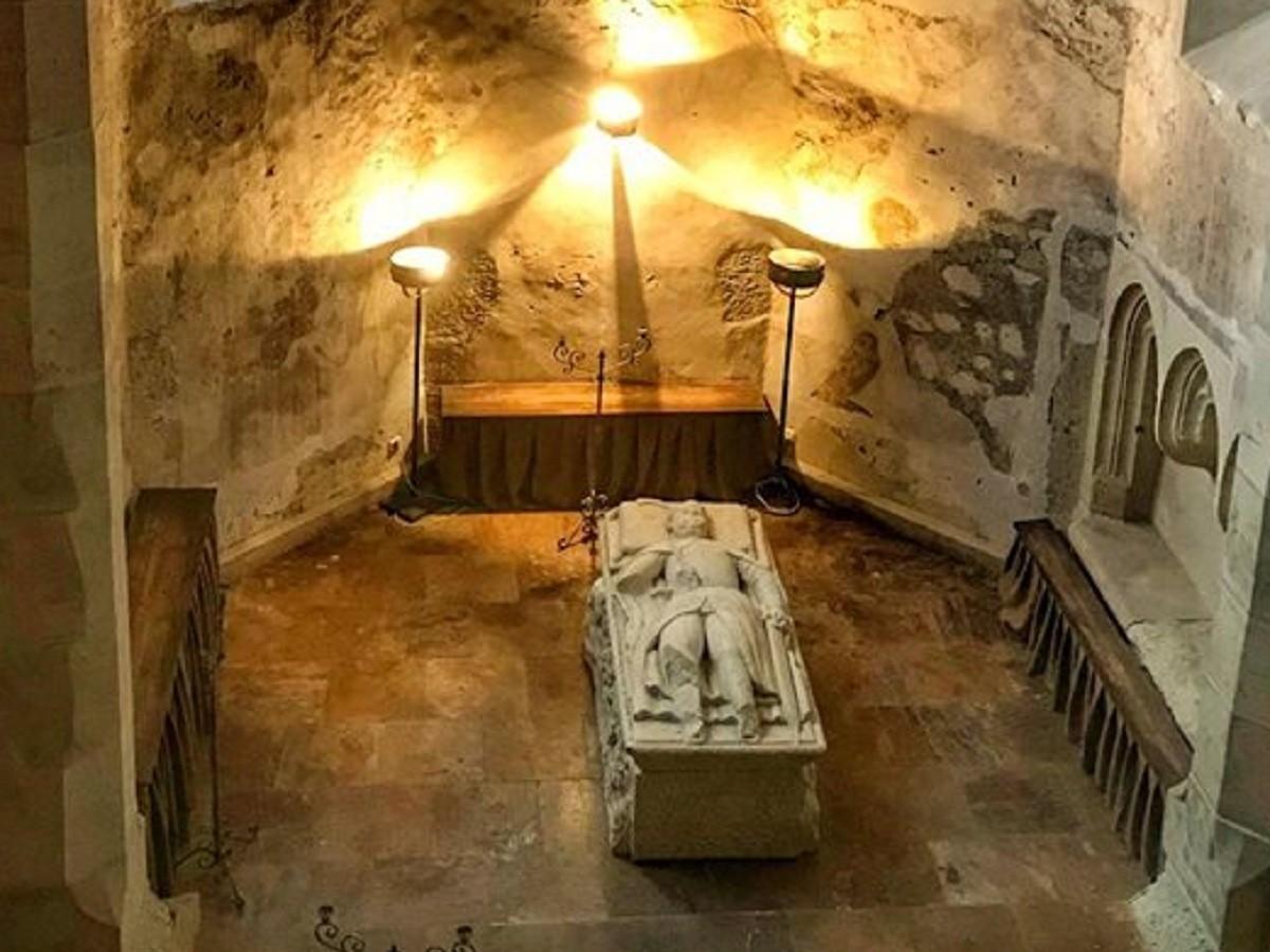 Iancu de Hunedoara Mormantul din Castelul Corvinilor