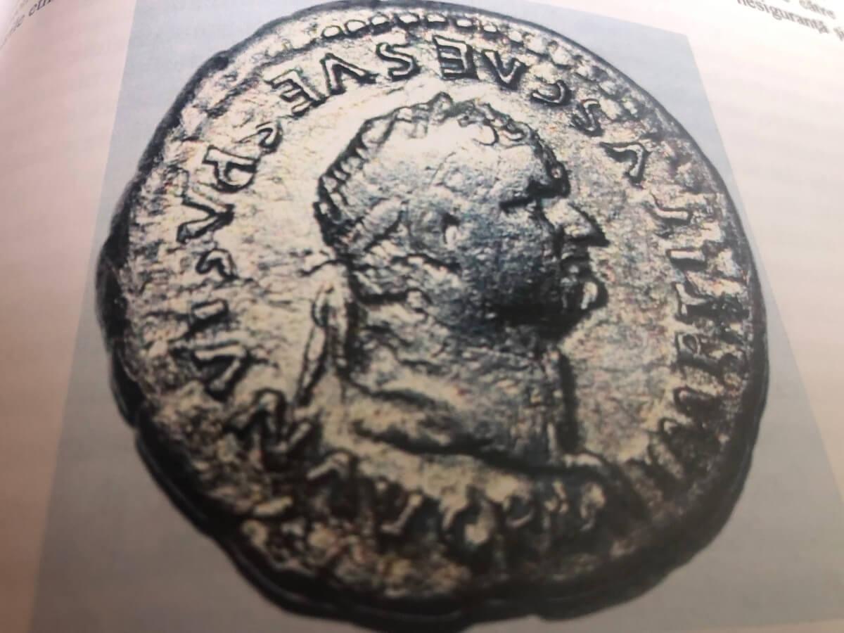 Monedă cu efigia Împăratului Vespasian