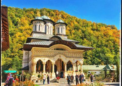 Mănăstirea LAINICI 11