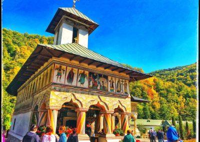 Mănăstirea LAINICI 12